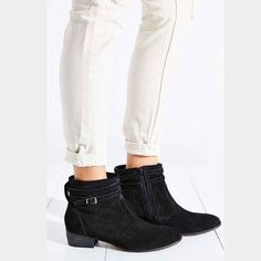 Urban Outfitters Black Suade Silver Buckle Booties Size 7 Seychelles Shoes Ankle Boots & Booties