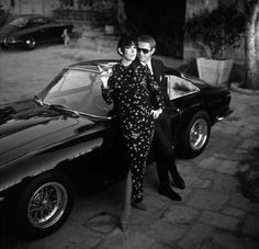 Peggy Moffitt was married to photographer William Claxton and the two were close friends with actor Steve McQueen. In this Claxton photo Moffitt & McQueen do their own take on Norman Jewison's The Thomas Crown Affair Steve Mcqueen Cars, Peggy Moffitt, William Claxton, Steeve Mcqueen, Thomas Crown Affair, And Peggy, The Great Escape, Bruce Lee, Stevia