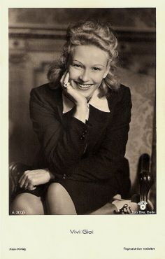 Vivi Gioi. German postcard by Ross-Verlag, no. A 3173/1, 1941-1944. Photo: Binz, Berlin / Difu.