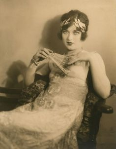 "mothgirlwings: "" Mary Ellis - c. Vintage Love, Vintage Beauty, Vintage Ladies, Vintage Fashion, Edwardian Hairstyles, Vintage Hairstyles, Belle Epoque, Vintage Pictures, Vintage Images"
