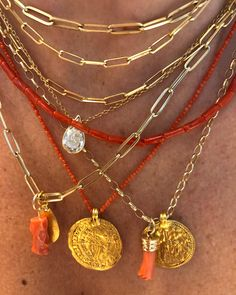 Since Friday post, I'm feeling a coral vibe going on. I'm full of antibiotics and feeling pretty lousy this week, so little… Nail Jewelry, Cute Jewelry, Jewelry Box, Jewelry Accessories, Jewelry Design, Jewlery, Accesorios Casual, Ear Piercings, Beaded Necklace