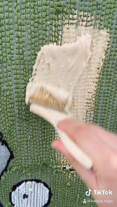 Diy Crafts Hacks, Cute Crafts, Yarn Crafts, Diy Crafts To Sell, Diy Plush Toys, Funky Rugs, Punch Needle Patterns, Techniques Couture, Custom Rugs