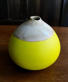 I know this is a yellow bud vase, but I see a huge bowl made over an exercise ball! Vase by Adrian Wallace Ceramic Clay, Ceramic Pottery, Ceramic Jewelry, Pottery Art, Earthenware, Stoneware, Keramik Design, Sculptures Céramiques, Mellow Yellow