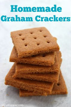 These Homemade Graham Crackers are super simple and so much better than store bought. You can enjoy them by themselves for a snack or even make some homemade s'mores to enjoy. Homemade Graham Crackers I Baby Food Recipes, Sweet Recipes, Cookie Recipes, Snack Recipes, Healthy Recipes, Graham Cracker Recipes, Homemade Graham Crackers, Grahm Crackers, Graham Cracker Cookies