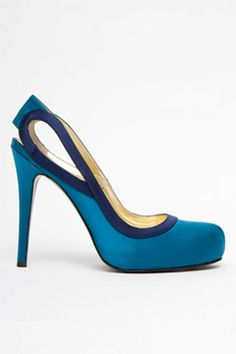 Bruno Frisoni pumps - the color might not be my first choice, but those are fan-frickin'-tastic!