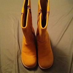 Reposhed boots too little for me :'( Brown boots 90s vintage look LOVE THESE !! Candies Shoes