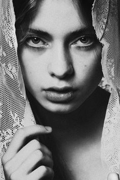 Female Portraits by Greta Tu | it COLOSSAL