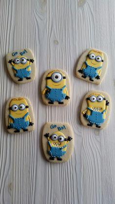 Minion cookies by Dyan