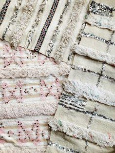 Handira o Wedding Blankets Moroccan Design, Moroccan Decor, Moroccan Wedding Blanket, Moroccan Bedroom, Creative Textiles, Modern Bedroom Design, Colorful Furniture, My New Room, Boho