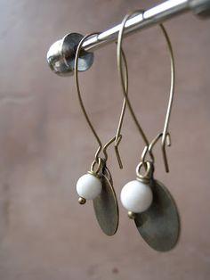 Penny earrings … Source by chriswwww Wood Earrings, Diy Earrings, Earrings Handmade, Handmade Jewelry, Simple Jewelry, Boho Jewelry, Beaded Jewelry, Jewelry Accessories, Jewellery