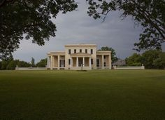 Antiquity buffs will spot all three Greek architectural orders on this former plantation home and pr... - wikimedia.org