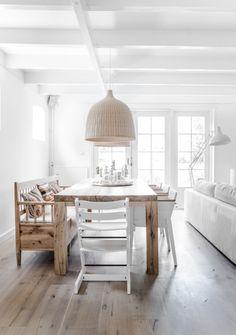 #Houten #tafel #wit interieur