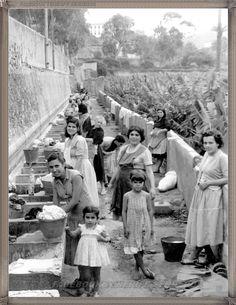 Gran Canaria - lavaderos de San Roque  año 1950..... #fotoscanariasantigua #tenerifesenderos #fotosdelpasado #canariasantigua #canaryislands #islascanarias #blancoynegro #recuerdosdelpasado #fotosdelrecuerdo