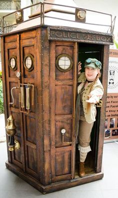 [Fan Submission] - Steampunk TARDIS! #DoctorWho