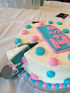 """""""Gender Reveal Party"""" Cake"""