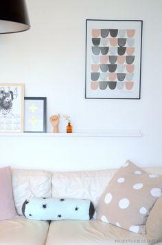 Kitchen towel wall art by Projektila blog. Screenprinting, Kitchen Towels, Scandinavian Style, Living Rooms, Photo Wall, Fabrics, Walls, Homes, Wall Art