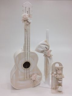 Flower Guitar Guitar, Flowers, Wedding, Decorated Boxes, Ornaments, Valentines Day Weddings, Weddings, Royal Icing Flowers, Flower