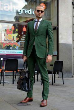 Men's Dark Brown Tie, White Dress Shirt, Dark Green Suit, Black Leather Briefcase, and Dark Brown Leather Oxford Shoes Sharp Dressed Man, Well Dressed Men, Fashion Moda, Mens Fashion, Street Fashion, Fashion Menswear, Suit Fashion, Terno Slim Fit, Man Stuff