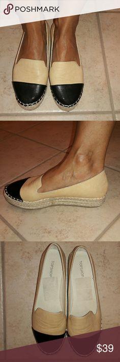 TOPSHOP two-toned platform espadrilles Cute, classic, comfy - your go to summer shoe! Black toe cap with creamy tan uppers. Topshop Shoes Espadrilles