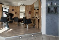 Friseursalon in Rheine Kreativtechnik und Bodenbelag Conference Room, Table, Furniture, Home Decor, Painting Contractors, Barber Shop Names, Floor Covering, Projects, Creative
