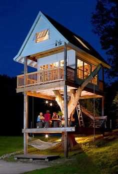 15 Modern House Design Trends Creating Luxury, Comfortable Lifestyle Adult Tree House, Outdoor Spaces, Outdoor Living, Tree House Designs, Play Houses, Dream Houses, My Dream Home, Dream Kids, Future House