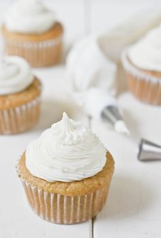 Paleo-Vanilla-Cupcakes-Frosted1-694x1024