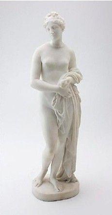 La Venere di Gibson. John Gibson,  Scultore (Conway 1790 - Roma 1866). Nel 1817 si stabilì a Roma, dove fu allievo di A. Canova e risentì anche di B. Thorvaldsen. Fra le sue opere: Psiche sospinta dagli Zefiri (1816, Londra, Royal Academy); Ila e le ninfe (1827, Londra, Tate Gallery); Venere (1851, Manchester, Art Gallery). Modelli e calchi delle sue opere sono raccolti nella Gibson Gallery, che fa parte della Royal Academy di Londra. Fu anche ritrattista.