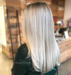 """116 Likes, 18 Comments - OC Color Specialist (@chelsea_thestylist) on Instagram: """"Ash blonde achieved with babylights, in-foil balayage, and freehand balayage. The mix of these 3…"""""""