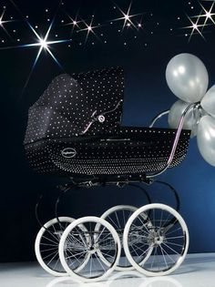 A Swarovski-studded pram by Inglesina - A crystal-studded pram shown on Sunday, 18 September, at La Rinascente Duomo department store in Milan. Vogue Bambini and Swarovski Elemets were celebrating a glittering 'back-to-school' with parents and children. The Babys, Pram Stroller, Baby Strollers, My Baby Girl, Baby Love, Vintage Pram, Prams And Pushchairs, Dolls Prams, Baby Buggy