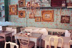 Le Petit Café - Haga - Göteborg, Sweden (Memories of hot chocolate! Cafe Interior Vintage, Bohemian Cafe, Tea Restaurant, Restaurant Design, Best Interior, Interior Design, Cute Cafe, Cafe Design, Home Decor Bedroom