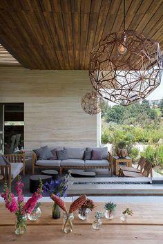 AFS Lomas Country 02 Vieyra Arquitectos Design a Contemporary Home in the Lomas Country Golf Club, near Mexico City Outdoor Lounge, Outdoor Spaces, Outdoor Living, Outdoor Decor, Exterior Design, Interior And Exterior, Relax, Street House, Contemporary Interior Design