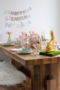 Easter table setting from @pinkthetown.