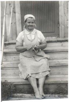 Bertta Sofia Keränen nalbinding, in Kuopio, Finland. Year unknown.