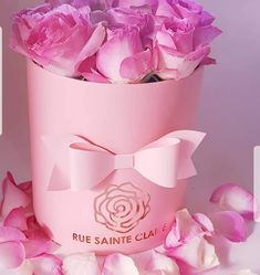 On Trend Marketing specialises in customised promotional gifts, such as mints in tins, magnets and desk items such as mousepads and deskpads. Creatively On Trend! Hat Boxes, Flower Boxes, Gift Packaging, Pink Roses, Paper Flowers, Email Marketing, Diy Crafts, Etsy Shop, Templates