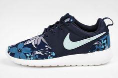 Nike Roshe Run 'Blue Aloha'