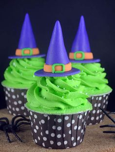 Fondant Witch's Hat Halloween Cupcakes