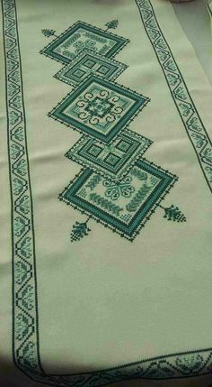 Celtic Cross Stitch, Cross Stitch Art, Cross Stitch Designs, Cross Stitch Patterns, Blackwork Embroidery, Cross Stitch Embroidery, Hand Embroidery, Palestinian Embroidery, Couture