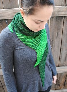 Striped_tooth_shawl_1_small2