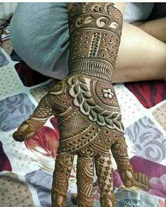 Mehndi Designs added a new photo. Full Mehndi Designs, Khafif Mehndi Design, Indian Henna Designs, Henna Art Designs, Mehndi Design Pictures, Mehndi Designs For Girls, Wedding Mehndi Designs, Dulhan Mehndi Designs, Beautiful Mehndi Design