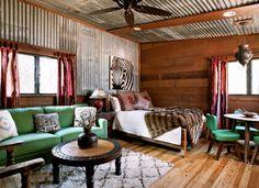Corrugated metal in interior design – creative ideas for home decors Cabin Design, Rustic Design, Interior Walls, Home Interior Design, Barn Loft Apartment, Apartment Layout, Apartment Living, Apartment Ideas, Living Room