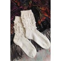 These Lace Dancing Socks from Spain can be made with five double-pointed needles or the magic-loop technique. Magic Loop Knitting, Knit In The Round, The Borrowers, Tunisian Crochet, Dance Costumes, Needlework, Knitwear, Knitting Patterns, Spain