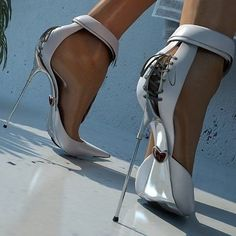 Beautiful Lace UP corseted heels.telescopic heels, who knew? High Heels Stiletto, Hot High Heels, Pumps Heels, Sexy Heels, Sexy Sandals, Heeled Boots, Shoe Boots, Talons Sexy, Unique Shoes