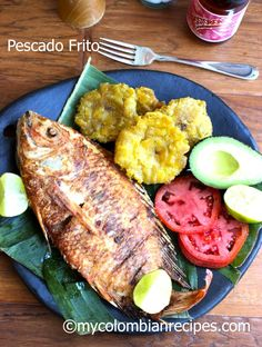 Pescado Frito Colombiano (Colombian-Style Fried Whole Fish) by My Colombian Recipes Fish Recipes, Seafood Recipes, Mexican Food Recipes, Cooking Recipes, Healthy Recipes, Ethnic Recipes, My Colombian Recipes, Colombian Cuisine, Colombian Dishes