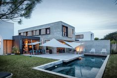Photo 11 of 12 in Take a Plunge Into These Enticing Modern Pools from H+L House - Dwell