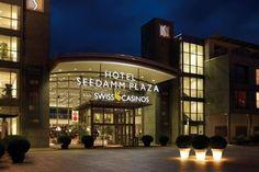 Akrobatik-Duo mit grandioser Darbietung im Casino Pfäffikon-Zürichsee Las Vegas ist die weltweite Glücksspielmetropole. Hier pilgern jährlich tausende von Besuchern hin, um sich das Glücksspielmekka einmal selbst anzugucken. Die Casinos reihen sich am Las Vegas Strip dicht an dicht und mit den jeweils angrenzenden Hotelkomplexen bietet Vegas einen einmaligen Anblick.