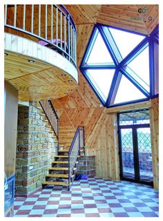pentagonal window by staircase to loft in geodesic dome home Casa Octagonal, Architecture Details, Interior Architecture, Yurt Home, Geodesic Dome Homes, Free Shed Plans, Dome House, Spanish House, Earthship