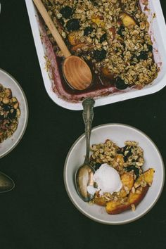 Simple Nectarine and Blackberry Fruit Crisp