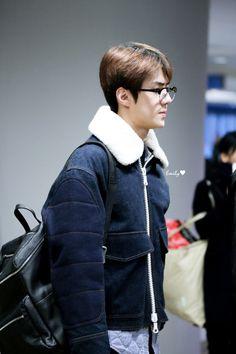 Sehun - 160125 Incheon Airport, arrival from Manila Credit: Emily. (인천공항 입국)