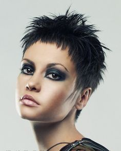 Very Short Hairstyles & Hair Colors for Pixie Short Hair Very Short Hair, Short Hair Cuts For Women, Short Curly Hair, Short Hairstyles For Women, Curly Hair Styles, Short Pixie Haircuts, Pixie Hairstyles, Middle Hair, Hair 2018