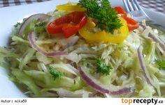 Zelný salát s cibulí a křenem Cabbage, Tacos, Vegetables, Ethnic Recipes, Food, Veggies, Vegetable Recipes, Meals, Cabbages